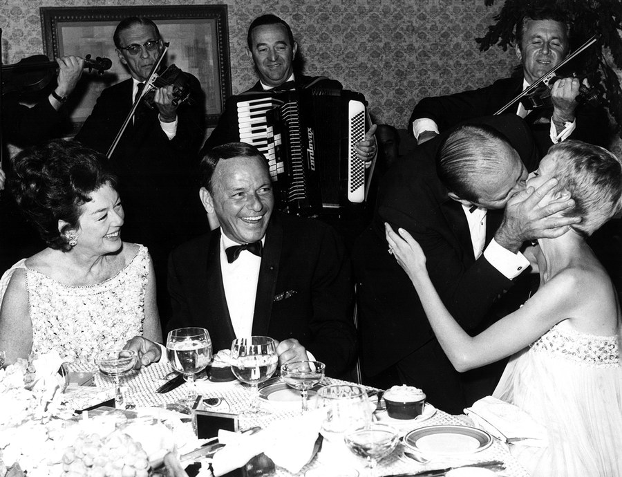 RosalindRussell-Frank Sinatra-Fred Brisson-Mia Farrow-Everet- Collection